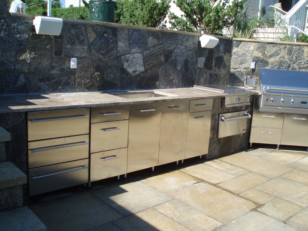Outdoor Kitchen, Danver Appliances Dealer, Danver Authorized Contractor,  Danver Kitchen Cabinets
